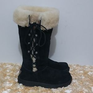UGG Boots Black Suede Cream Fur Lace Up Size 7